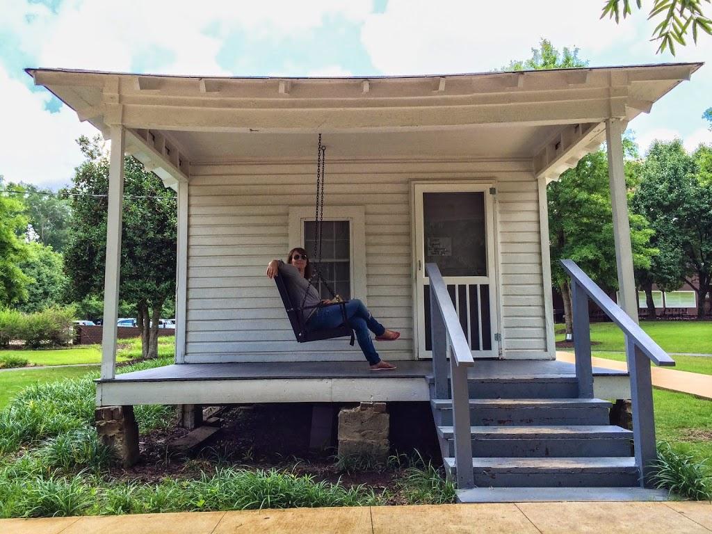 zu hause bei elvis reisefreunde. Black Bedroom Furniture Sets. Home Design Ideas