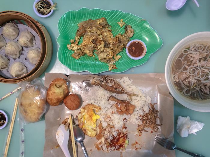 Hawkercenter Essen in Singapur