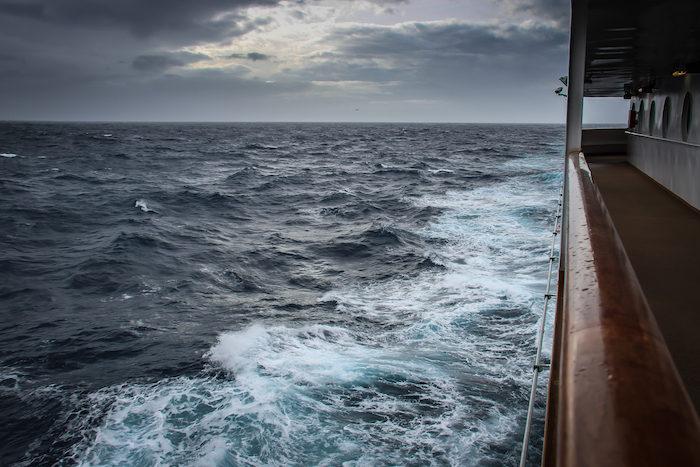 MS Midnatsol Seetag Drake Passage 1