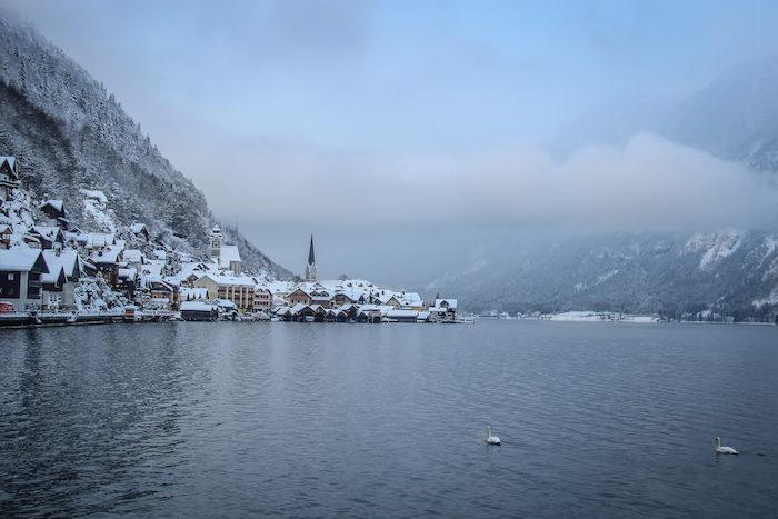 Salzkammergut Winterzauber Hallstaetter See