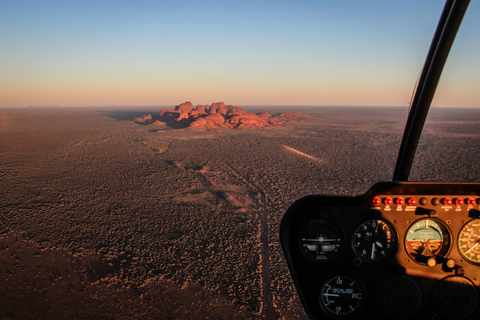 uluru-sunrise-heliflug-4-northern-territory